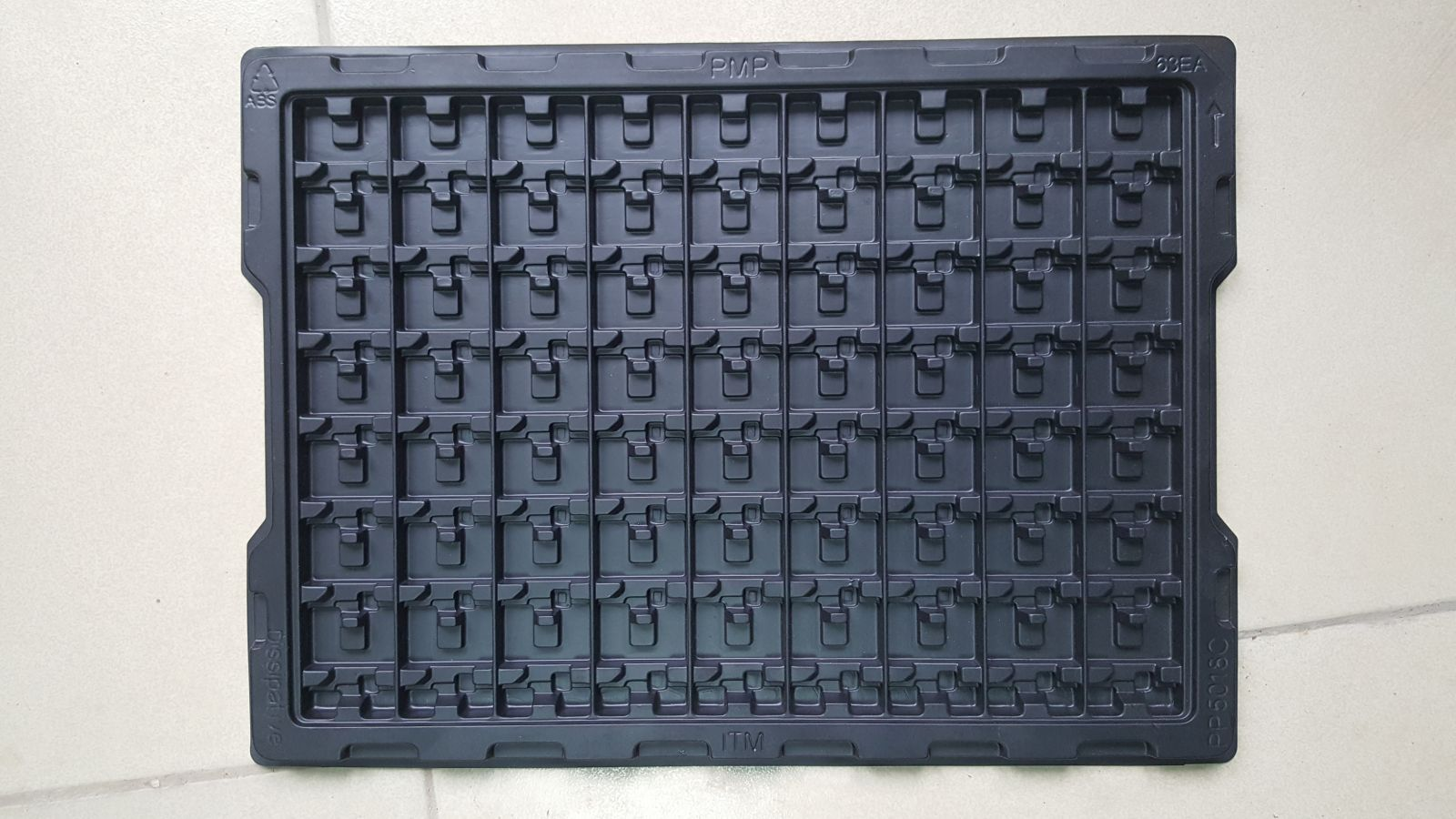 Anti static formed plastic trays